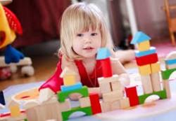 Какие игрушки полезнее для детей: традиционные или современные