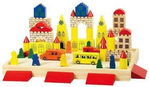 Одной из лучших игрушек для ребенка является конструктор