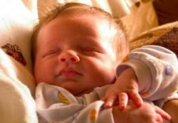 Какие симптомы и лечение гипертонуса у детей