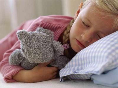 Как укладывать детей спать без слёз