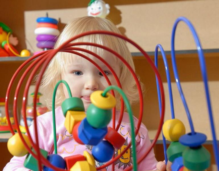 Какие развивающие игрушки нужны для малышей