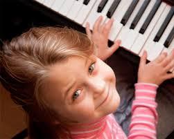 Как действует на ребенка музыка