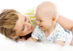 Как правильно играть с малышом с первых дней жизни