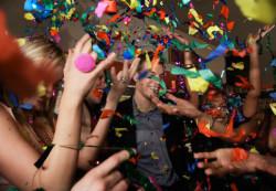 Новогоднее торжество – повод побыть с семьей или развлечься с друзьями