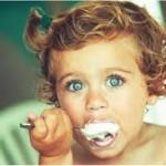Как убедить малыша пить молоко и есть творог