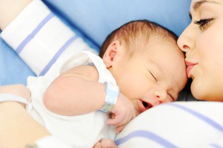 Новорожденный: как выглядит и в чем нуждается