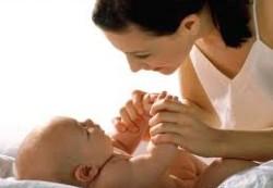 Уход за кожей младенца в летнюю жару
