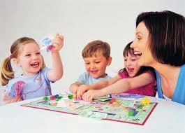 Дети учатся играя