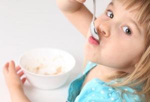 Пищевое отравление у ребенка: причины, признаки