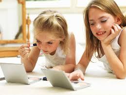 Детская декоративная косметика для девочек: запрещать или разрешать
