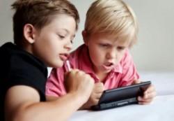 Можно ли от телевизора и интернета уберечь своего ребёнка
