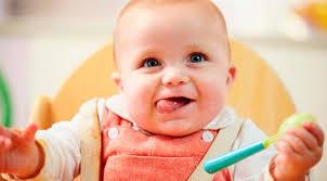 Как научить малыша кушать самостоятельно?