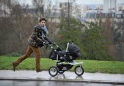 Мастер-класс для папы: прогулка с коляской