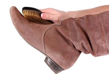 Преимущества и недостатки замшевой обуви