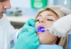 Лазерная имплантация зубов в Киеве