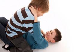Чрезмерный контроль родителей приводит к негативному поведению подростков