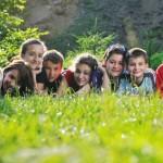 Ребёнок в летнем лагере: 5 самых популярных родительских страхов