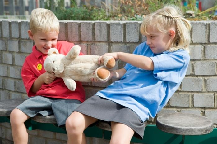 Конфликты в детском саду: что делать родителям?