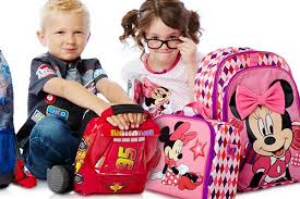 Школьные рюкзаки калечат здоровье детей, предупреждают педиатры