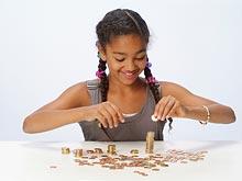 Подростки распоряжаются деньгами лучше взрослых, показало исследование