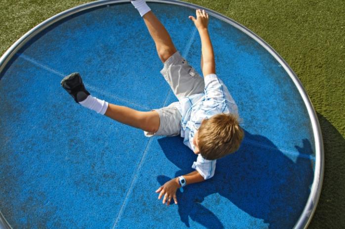 Разрешить ребенку падать