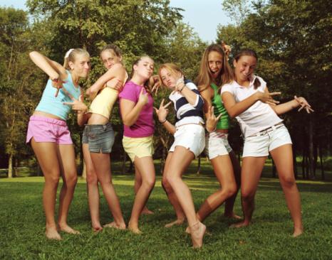 Девочки-подростки: в кругу своих