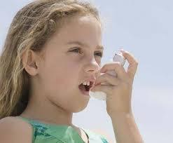 Препараты от астмы могут вызвать задержку в росте у детей