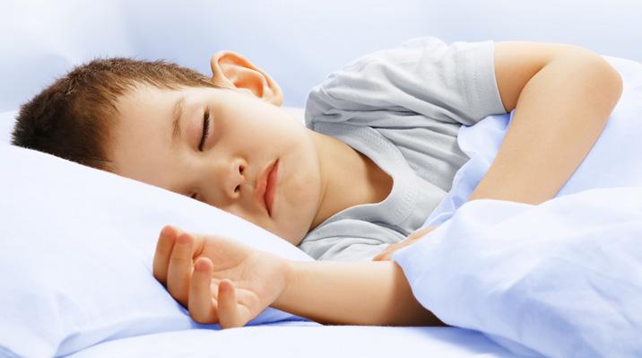 Больше спишь, лучше учишься: о пользе сна для школьников
