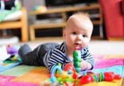 Развитие двигательной активности у ребёнка до года