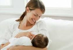 Хватает ли ребенку материнского молока