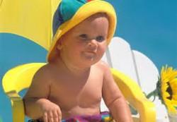Как правильно защитить детей от перегрева на солнце