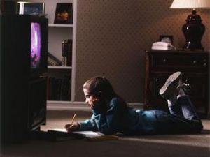 Ребенок и телевизор – как их разлучить