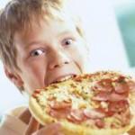 Эксперты: не кормите детей гадостью