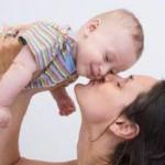 Материнская любовь оберегает ребенка от стресса всю жизнь