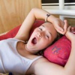 Дефицит сна делает подростков толстыми