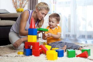 Во что можно поиграть с малышами?