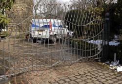Ворота. Типы распашных металлических ворот