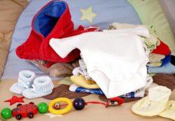 Как грамотно ухаживать за вещами для новорожденного?