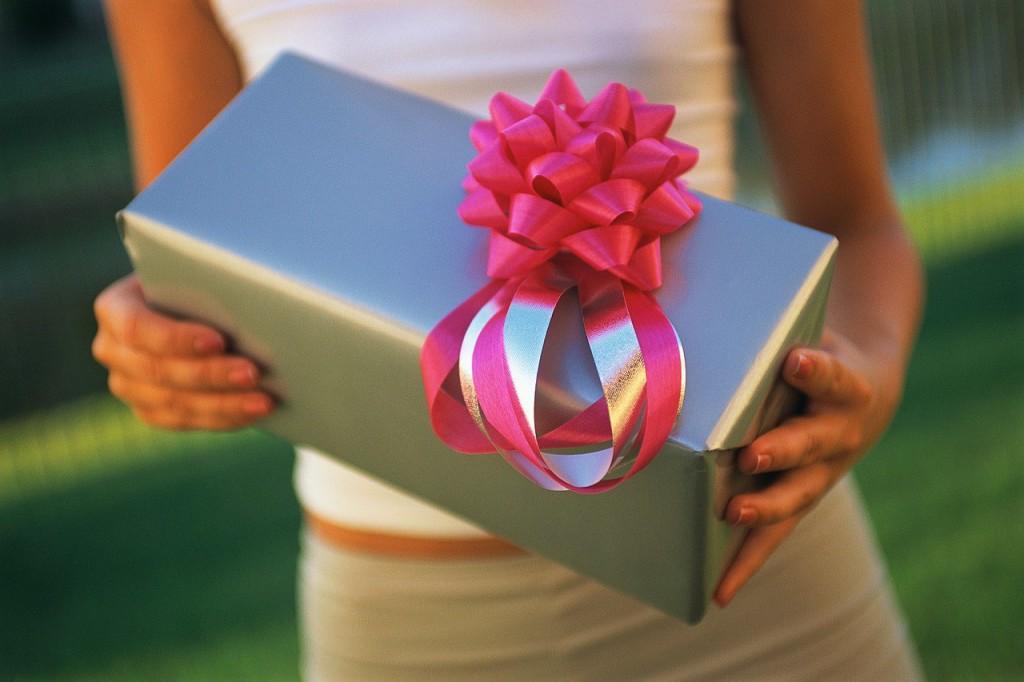 Подарок. Упаковка. Как правильно дарить подарки?