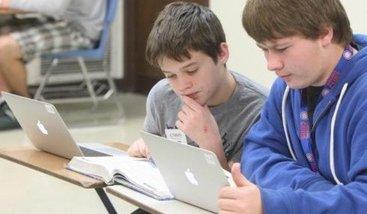 Ноутбук помогает школьникам повысить успеваемость