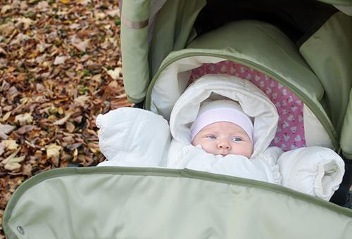 Осенние прогулки с новорожденным ребенком