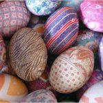 2 способа украшения для пасхальных яиц - с помощью бисера и конфетти!