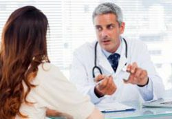 Пупочная грыжа новорожденных: что советуют врачи