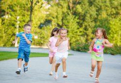 Почему ребенку нужно много гулять
