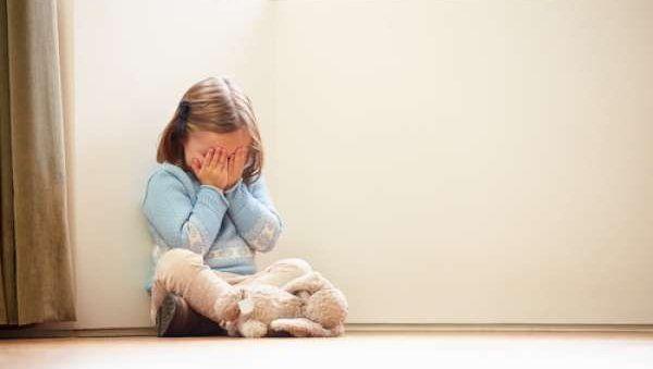 Детские травмы способны состарить нас раньше времени