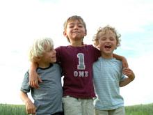 Психологи категорически не рекомендуют перехваливать ребенка