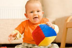 Как правильно развивать моторику пальцев у ребенка