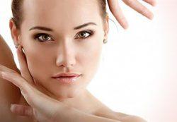 Как выглядеть моложе — простые советы по уходу за кожей лица