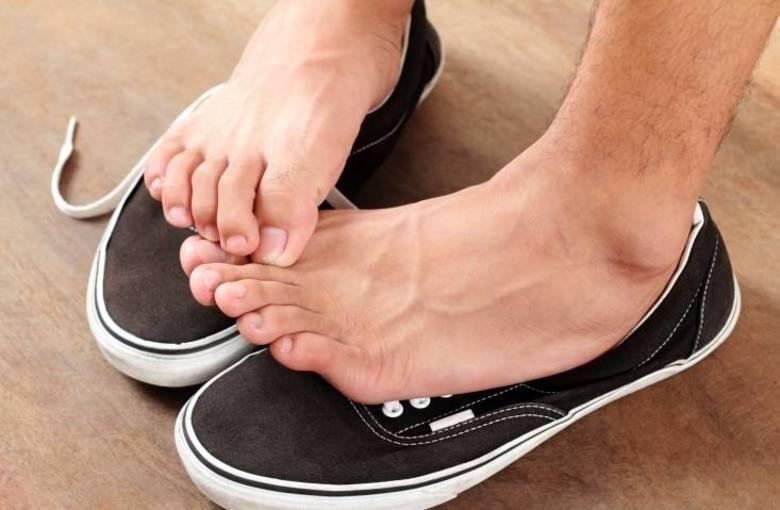 Причины неприятного запаха ног, и их устранение