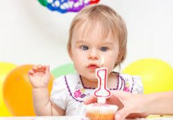 Ребенку 1 год, годовалый ребенок